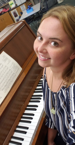Katie Yelm '17 is a music teacher in the Monmouth-Roseville School District.