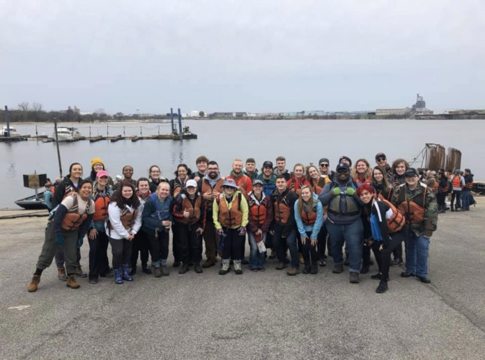 Stockdale Fellows spent their 2020 spring break helping clean up rivers with Living Lands and Wat...