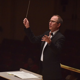 Tim Pahel conducting at Carnegie Hall in spring 2018.