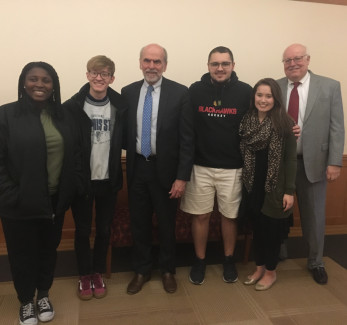 Wall Street Journal Washington Editor Gerald Seib, center, meets with some of our students and pr...